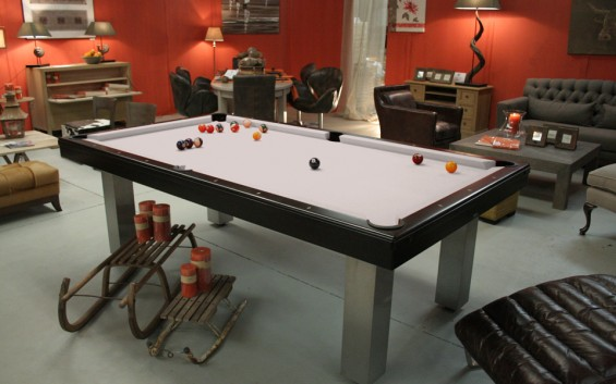 LUXURY POOL DINING TABLES
