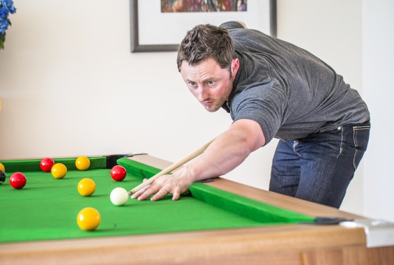 Pool Table Servicing and Reclothing